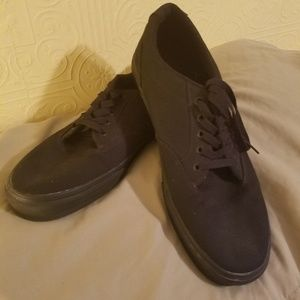 Men's black/black Vans skate shoe